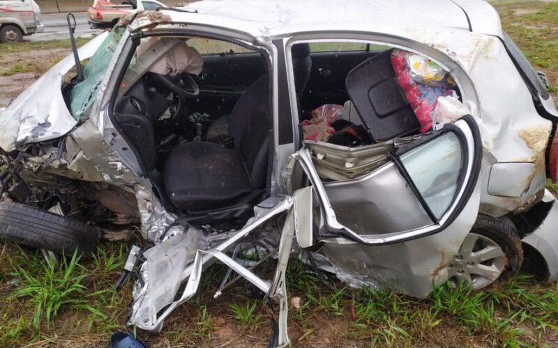 Motorista morre após carro capotar na BR-262, em Nova Serrana - Foto: Divulgação/Polícia Rodoviária Federal