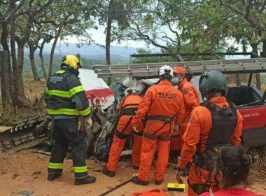Homem fica gravemente ferido após acidente entre ônibus escolar e caminhonete em Jaboticatubas - Foto: Divulgação/CBMMG
