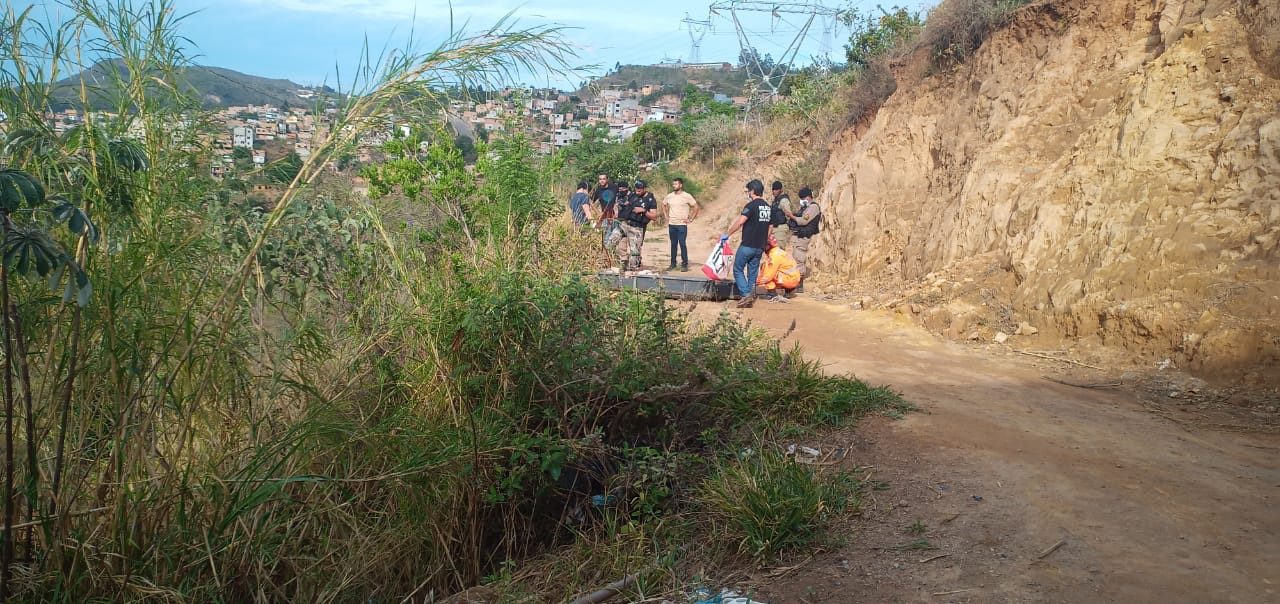 Corpo de homem é encontrado esquartejado em ribanceira na Vila Cemig, em BH - Foto: Divulgação/CBMMG