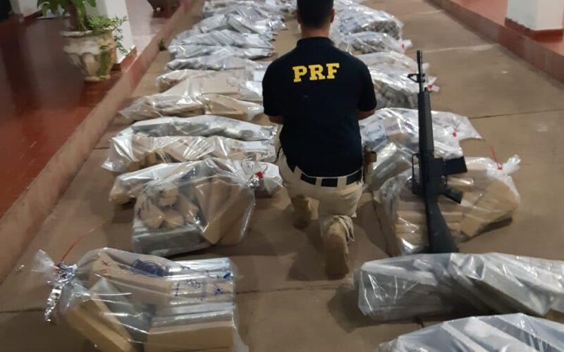 PRF apreende mais de 1 tonelada de maconha avaliada em R$ 2 milhões na BR-251, em Salinas - Foto: Divulgação/Polícia Rodoviária Federal